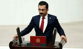Эрен Эрдем: Министр обороны и Адиль Оксюз контактировали ночью 14 июля