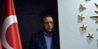 Кто первым поздравил Эрдогана с итогами референдума?