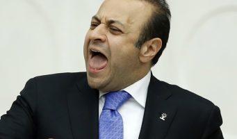 Почему бывший министр и член ПСР Эгемен Багиш принял гражданство ТРСК?