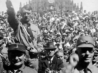 Правительство ПСР подражает Гитлеру, который издавал указы, чтобы оправдать убийства