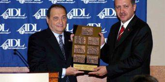 Индже: Эрдоган единственный в мире мусульманин, получивший еврейскую медаль за мужество