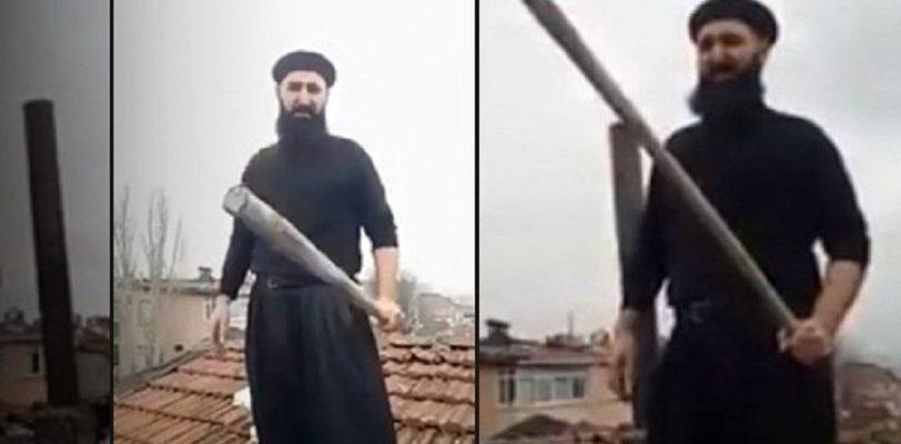 В Турции мужчина с бейсбольной битой ждал на крыше Санта Клауса чтобы призвать к исламу