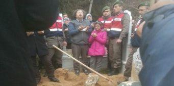 Жертвы режима ПСР…Отец на похоронах сына был в наручниках
