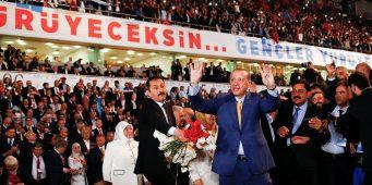 ПСР «раздувает» свои съезды служащими госорганов