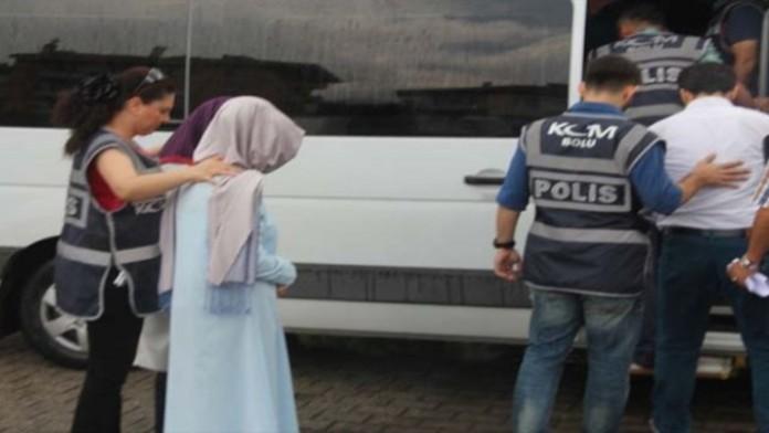 Не обнаружив дома мужа полицейские задержали его беременную жену