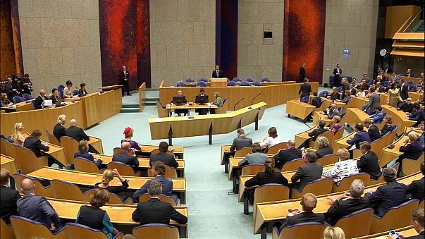 Парламент Нидерландов признал события 1915 года в Анатолии геноцидом армян