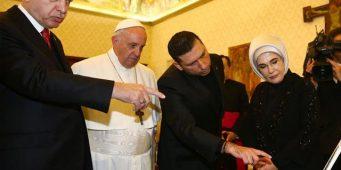 5 млн долларов пожертвований для получения аудиенции у Папы?