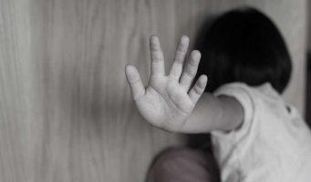 Умственно отсталую девочку насиловали 653 раза. Суд освободил от наказания 22 подозреваемых