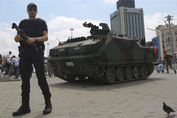 Власти Турции в седьмой раз продлят режим ЧП