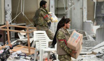 Доклад HRW: Турецкие войска иих союзники, контролирующие Африн, должны прекратить грабежи исдерживать тех, кто причиняет ущерб.