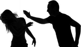 В Турции закрыли женскую ассоциацию по поддержке жертв домашнего насилия