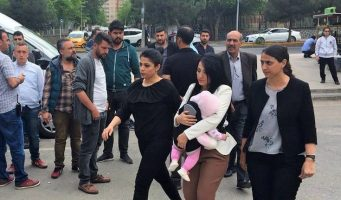 IFEX начала кампанию в поддержку заключённой в тюрьму турецкой учительницы с ребёнком