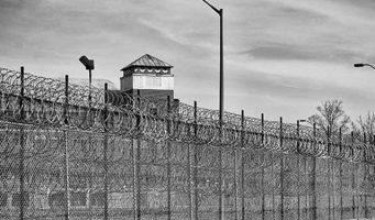 Турция превратилась в одну большую закрытую тюрьму