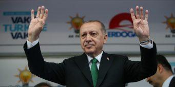 Эрдоган стремится решить вопросы экономики, но при этом отбирает права у народа?