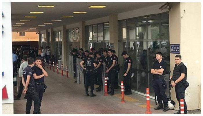 Мать двух братьев обвинила Эрдогана в гибели своих сыновей