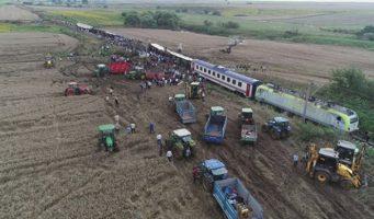 Железнодорожная катастрофа в Текирдаге: На 360-местный поезд продали 563 билета