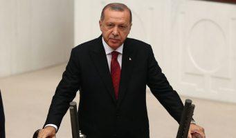Оппозиционные партии протестовали против Эрдогана в парламенте