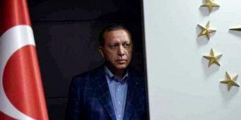 Эрдоган обвиняет в кризисе всех, но только не себя