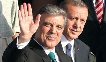 ПСР назвала Гюля предателем. Сторонники бывшего президента ответили, что не обращают внимания на лай собак