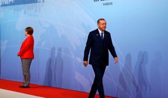 Рукотворные социальные кризисы разрушают Турцию