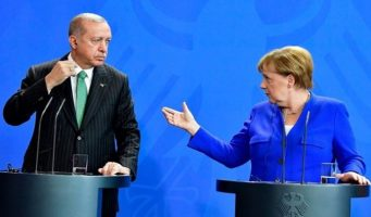 Меркель: У Германии недостаточно данных для запрета деятельности движения Гюлена