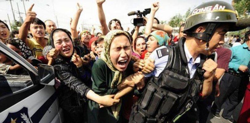 Семью мужчины, открыто рассказавшего о политических лагерях в Китае, не впустили в Турцию