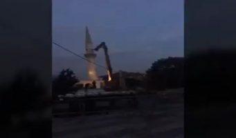 Призыв из громкоговорителя защитить мечеть от сноса не дал результатов