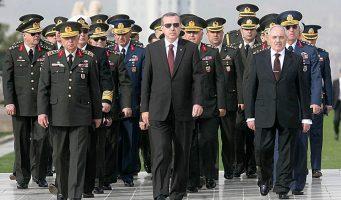 «Эрдоган политизировал военных, полностью взяв их под контроль»