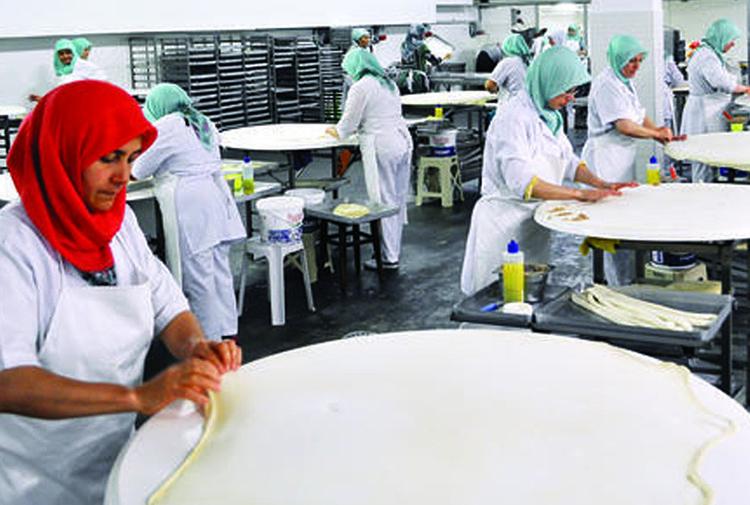 Сотрудницы мучной фабрики: Запрещают выходить в туалет и пить воду