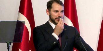Албайрак обвинил в кризисе внешние силы: Экономическую атаку спланировали в столице иностранного государства