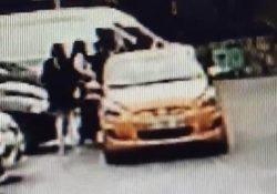 Плевок в лицо: Таксист грубо обошелся с пассажиркой