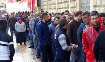 Армия безработных в Турции пополнилась на 1 млн человек