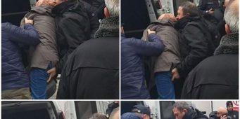 На камеры попал момент домогания студентки полицейским