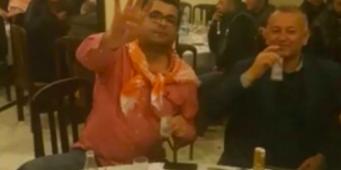 Функционеры ПСР распивали ракы, демонстрируя символ «Рабиа»