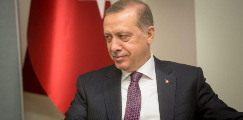 Financial Times: Эрдоган прибегает к экономическим хитростям в преддверии местных выборов