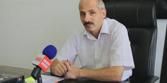 Директора турецкой школы в Бишкеке отстранили от работы из-за обвинений в педофилии
