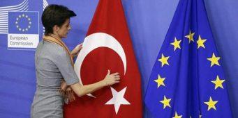 Комиссар ЕС: Турции больше не стоит пытаться вступить в ЕС