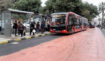 В Турции водителя автобуса обвинили в оскорблении Эрдогана из-за упавшей на пол газеты