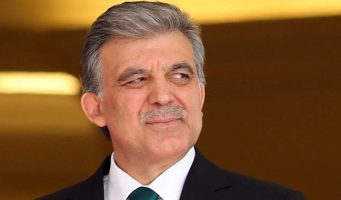 Экс-президент Гюль: Переживаю за Турцию, не сплю…