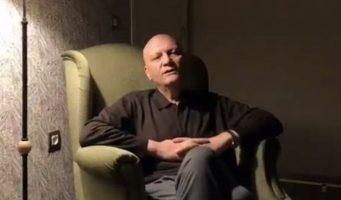 Чрезвычайные декреты хуже смерти: Больному раком профессору не выдали паспорт