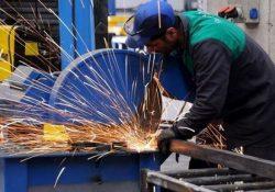 Волна безработицы больше всех накрыла промышленный сектор Турции