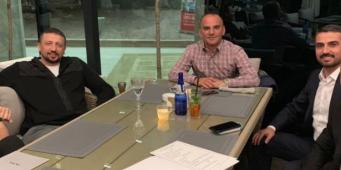Советник Эрдогана сфотографировался с бизнесменом, обвиняемом в подстрекательстве к убийству