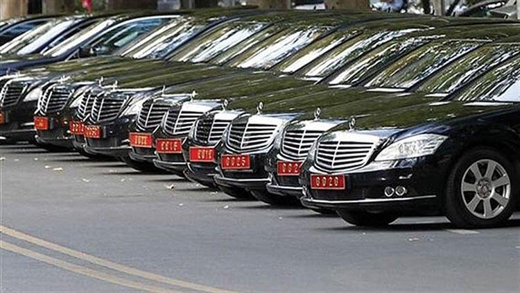 На деньги от платной воинской службы приобретались люксовые служебные автомобили