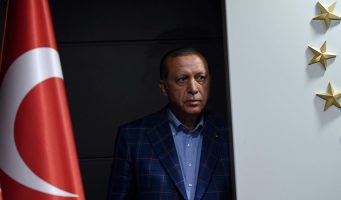 Bloomberg о выборах мэра Стамбула: Всегда готовый к бою Эрдоган ушел в тень