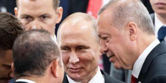 Греческая газета: Два российских военных корабля находились недалеко от Мармариса во время попытки переворота в Турции