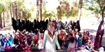ИГИЛовское воспитание: Детей заставили выкрикивать экстремистские лозунги