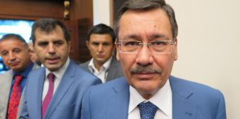 Бывшего мэра Анкары обвинили терроризме