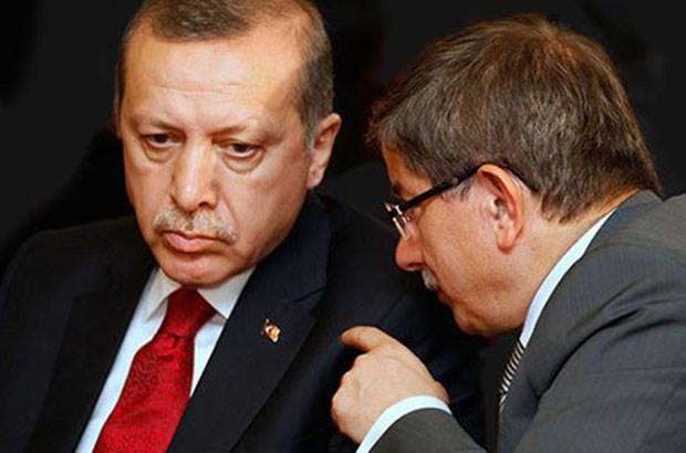 Давутоглу: Власть в руках Эрдогана наносит вред основам Турции