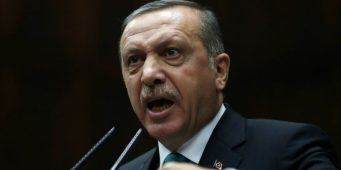 Эрдоган пригрозит кулаком Гюлю из Кайсери, а Давутоглу из Коньи