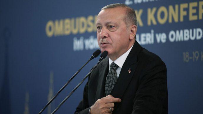 Эрдоган сражается, чтобы выиграть время